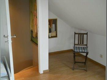 EasyKot EK - gemeubelde kamer in nieuwbouwhuis, Brussel-Bruxelles - € 350 p.m.