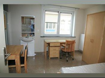 EasyKot EK - studentenkamer, Kortrijk-Courtrai - € 235 p.m.