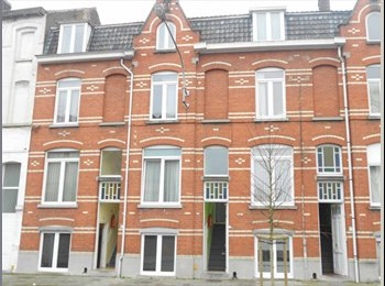 EasyKot EK - Studentenkamer Kortrijk, Kortrijk-Courtrai - € 300 p.m.