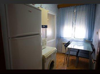 EasyPiso ES - Alquilo piso a estudiantes cerca de la Universidad Rey Juan Carlos Vicálvaro, San Blas - 300 € por mes