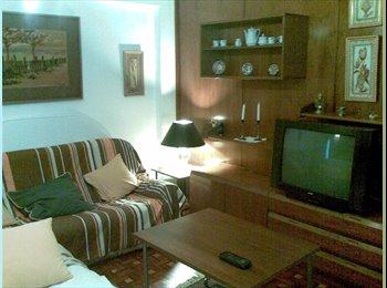 EasyPiso ES - Junio, Habitación con Internet, Burgos - 250 € por mes