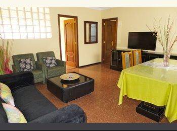 EasyPiso ES - Alquilo piso de 4 habitaciones para estudiantes, Las Palmas de Gran Canaria - 320 € por mes