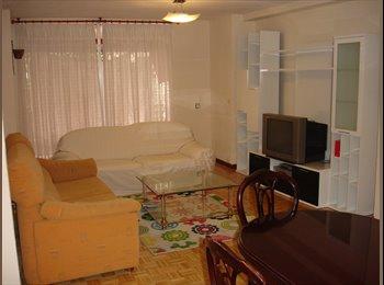EasyPiso ES - Habitaciones libres en piso compartido, Latina - 295 € por mes
