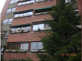EasyPiso ES - Ahora tengo 2 habitaciones disponibles, la de 270 y 250 euros, Puente De Vallecas - 250 € por mes