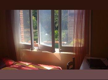 EasyPiso ES - habitacion luminosa en Gracia - Park Guell, Gràcia - 300 € por mes