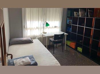 EasyPiso ES - SE ALQUILA UNA HABITACION, Cerdanyola Del Vallès - 350 € por mes