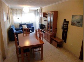 EasyPiso ES - Habitación exterior en piso compartido., Huelva - 150 € por mes