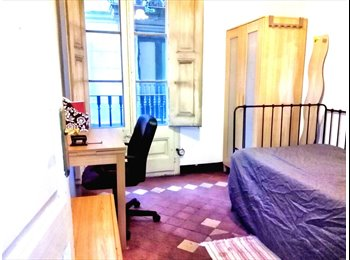 EasyPiso ES - 12m2 Sunny room with balcony in international flat, Ciutat Vella - 400 € por mes