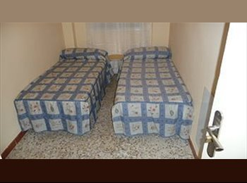 EasyPiso ES - Alquilo habitación, Hortaleza - 250 € por mes