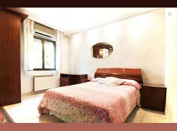 EasyPiso ES - Alquiler habitación en piso compartido estudiantes, Usera - 330 € por mes