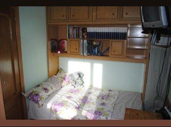 EasyPiso ES - Habitación muy luminosa, Centro Ciudad - 330 € por mes