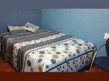 EasyPiso ES - VIGO PISO ESTUDIANTES habitación disponible, Vigo - 212 € por mes