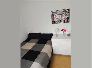 EasyPiso ES - Alquilo habitación a estudiantes, Gràcia - 450 € por mes