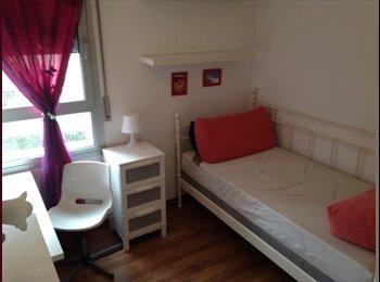 EasyPiso ES - Habitacion diagonal Mar, Sant Martí - 400 € por mes