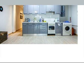 EasyPiso ES - Moderno piso recien reformado en ubicación privilegiada. A estrenar!, Valencia - 220 € por mes