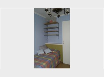 EasyPiso ES -  habitación piso  tranquilo , gastos incluidos , León - 215 € por mes