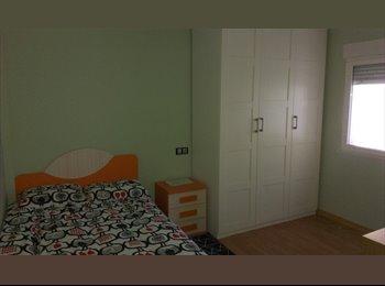 EasyPiso ES - Habitación Amueblada Piscinas del LLano, Gijon - 200 € por mes