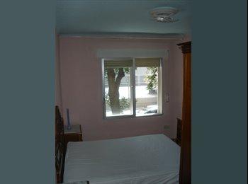 EasyPiso ES - Habitación individual con llave en Madrid (solo chicas), Carabanchel - 250 € por mes