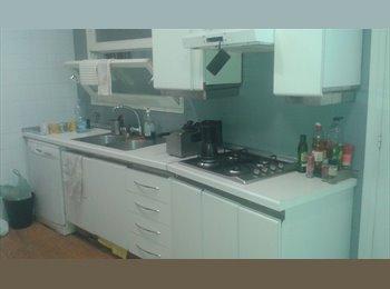 EasyPiso ES - habitacion mediana, Sarrià-Sant Gervasi - 425 € por mes