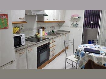EasyPiso ES - Habitacion individual, en piso de 4 personas, Tarragona - 250 € por mes