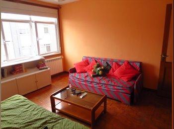 EasyPiso ES - Habitación grande cerca Riazor con todos los gastos incluidos!, La Coruña - 225 € por mes
