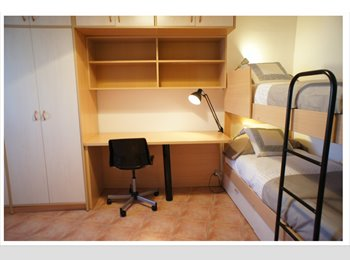 EasyPiso ES - Spacious Room for 2 people With Bunk Beds Near Metro/Subway, L'hospitalet - 650 € por mes