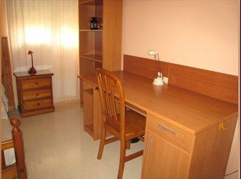 EasyPiso ES - Alquilo habitación en casa adosada. , Palma de Mallorca - 350 € por mes