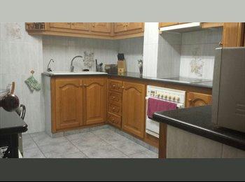 EasyPiso ES - Llogo Habitacio a l'eixample de Girona, Gerona - 300 € por mes