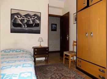 EasyPiso ES - 2 habitaciones para estudiantes y jóvenes trabajadores en el centro de Pamplona, Pamplona - 295 € por mes