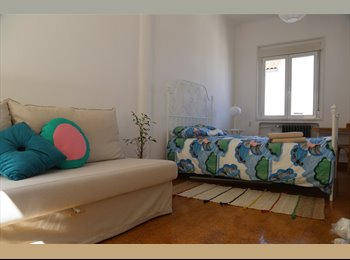 EasyPiso ES - Habitación en Ático de La Latina, Centro Ciudad - 790 € por mes
