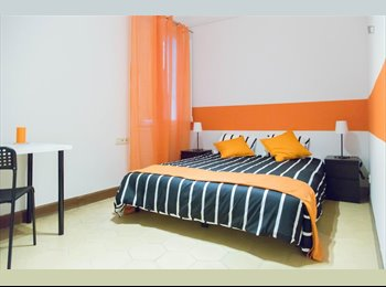 EasyPiso ES - Amazing double room only for girls in the city center, Eixample - 545 € por mes