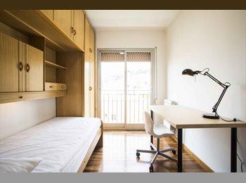 EasyPiso ES - Piso amplio y soleado para compartir cerca HOSPITAL VALL D'HEBRON, Horta Guinardó - 375 € por mes