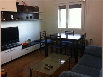 EasyPiso ES - Se alquilan 3 habitaciones en piso compartido en C/Fuente del Hierro, Pamplona - 225 € por mes