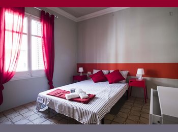 EasyPiso ES - Room in a shared apartment only for student girls, Sarrià-Sant Gervasi - 545 € por mes