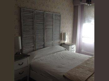 EasyPiso ES - Bonita habitación en Piso compartido en Plaza Eliptica, Usera - 350 € por mes