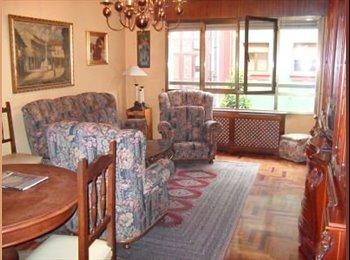 EasyPiso ES - Habitaciones para chicas en el centro , Oviedo - 250 € por mes