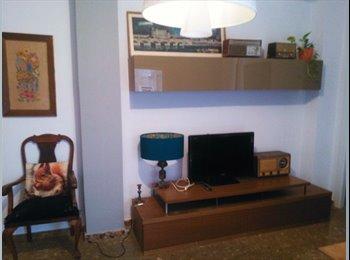 EasyPiso ES - HABITACIÓN-ESTUDIO EN OLLERÍAS/ROOM+PRIVATE LIVING ROOM AT OLLERÍAS-SANTA MARINA (DOWNTOWN), Córdoba - 365 € por mes