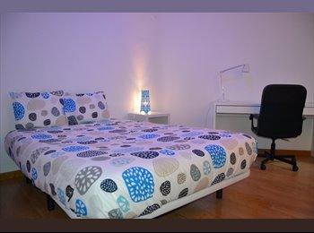 EasyPiso ES - HABITACIONES NUEVAS AYUNTAMIENTO, Valencia - 300 € por mes