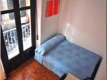 EasyPiso ES - Habitación con balcón, Barcelona - 525 € por mes