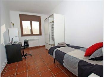 EasyPiso ES - Residencia de Estudiantes, Cerdanyola Del Vallès - 715 € por mes