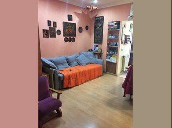 EasyPiso ES - Habitación en el corazón de Gracia, Gràcia - 500 € por mes