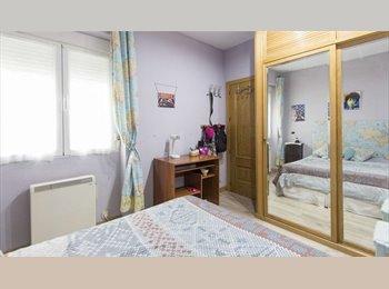 EasyPiso ES - Habitación doble en piso compartido , Arganzuela - 600 € por mes
