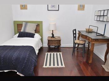 EasyPiso ES - Amplia, luminosa y tranquila habitación en Vila de Gracia., Gràcia - 700 € por mes