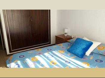 EasyPiso ES - Se alquila habitacion exterior doble, cama de matrimonio, Sants-Montjuïc - 360 € por mes