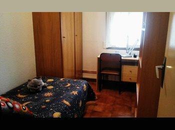 EasyPiso ES - Habitación en Piso Compartido, Cerdanyola Del Vallès - 250 € por mes