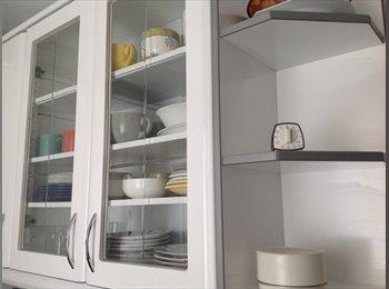EasyPiso ES - Habitación preciosa con cama de 135 cm y apartamento equipado completamente , Burgos - 330 € por mes