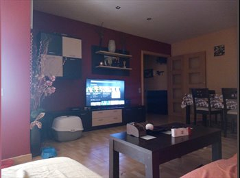 EasyPiso ES - Busco chica para compartir piso , Tarragona - 250 € por mes