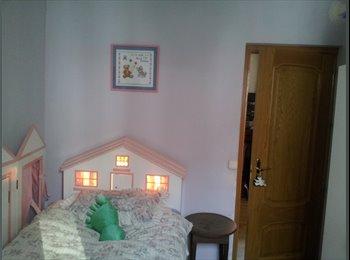 EasyPiso ES - Habitación luminosa cerca de la Catedral, Centro Ciudad - 330 € por mes