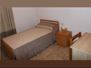 EasyPiso ES - Habitación interior, Alicante - 180 € por mes