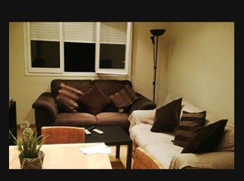EasyPiso ES - habitacion bonita a compartir, Cerdanyola Del Vallès - 310 € por mes